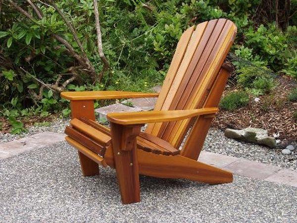 Деревянное садовое кресло