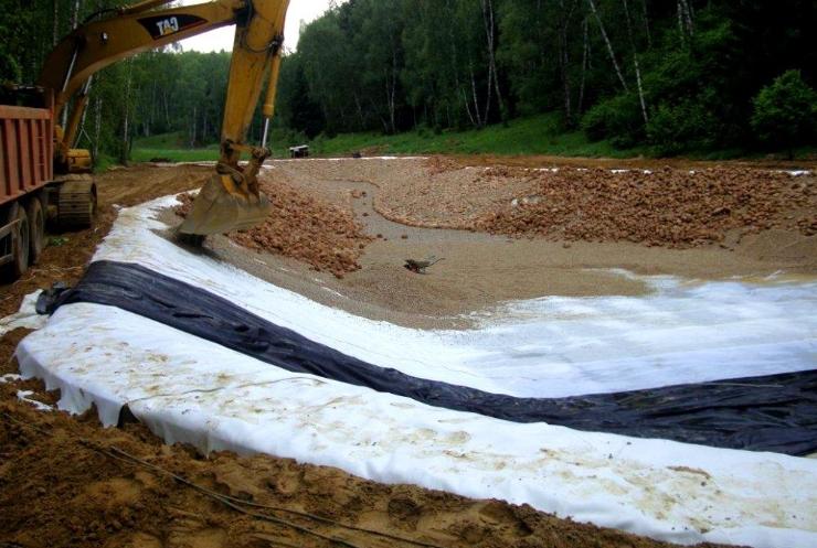 Укрепление грунта геотекстильным материалом