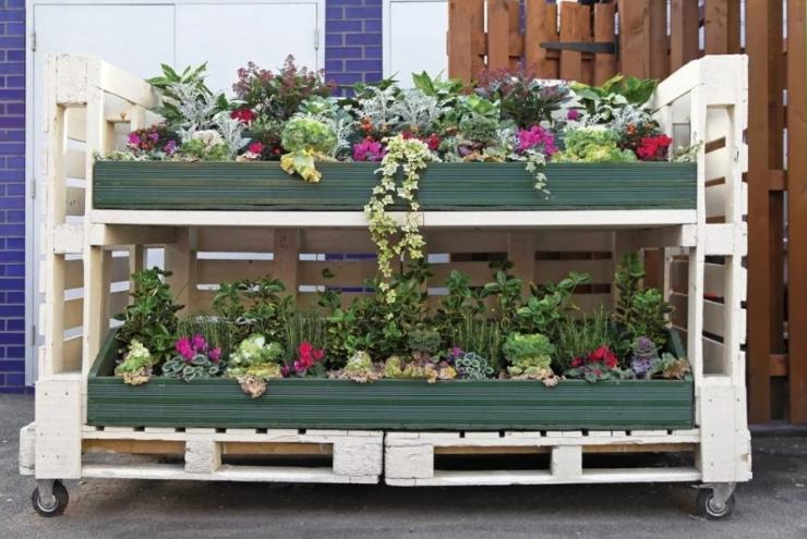 Вертикальный цветник для садовых растений