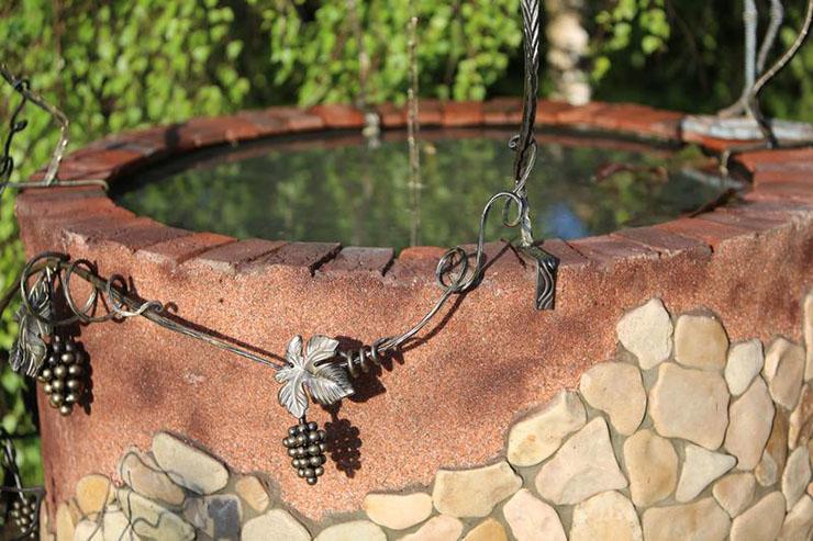 Декоративный колодец (73 фото): как сделать вариант из дерева для сада на даче своими руками