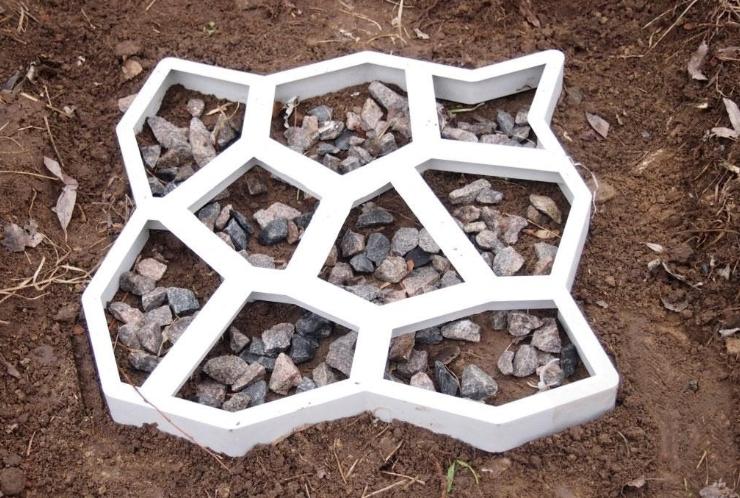 Формы для садовой дорожки из металла