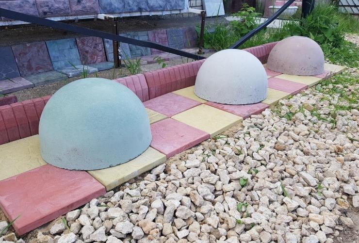полусферы из бетона