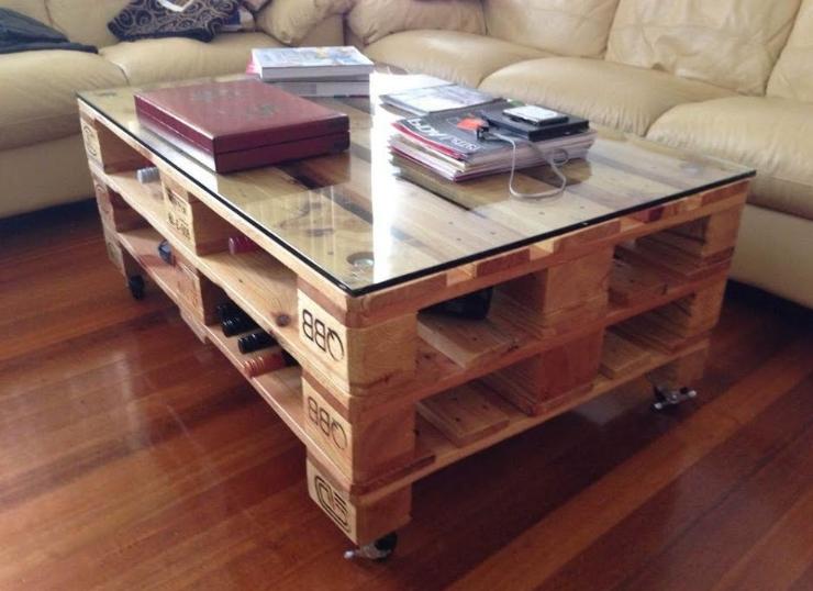 Журнальный столик из деревянных паллет